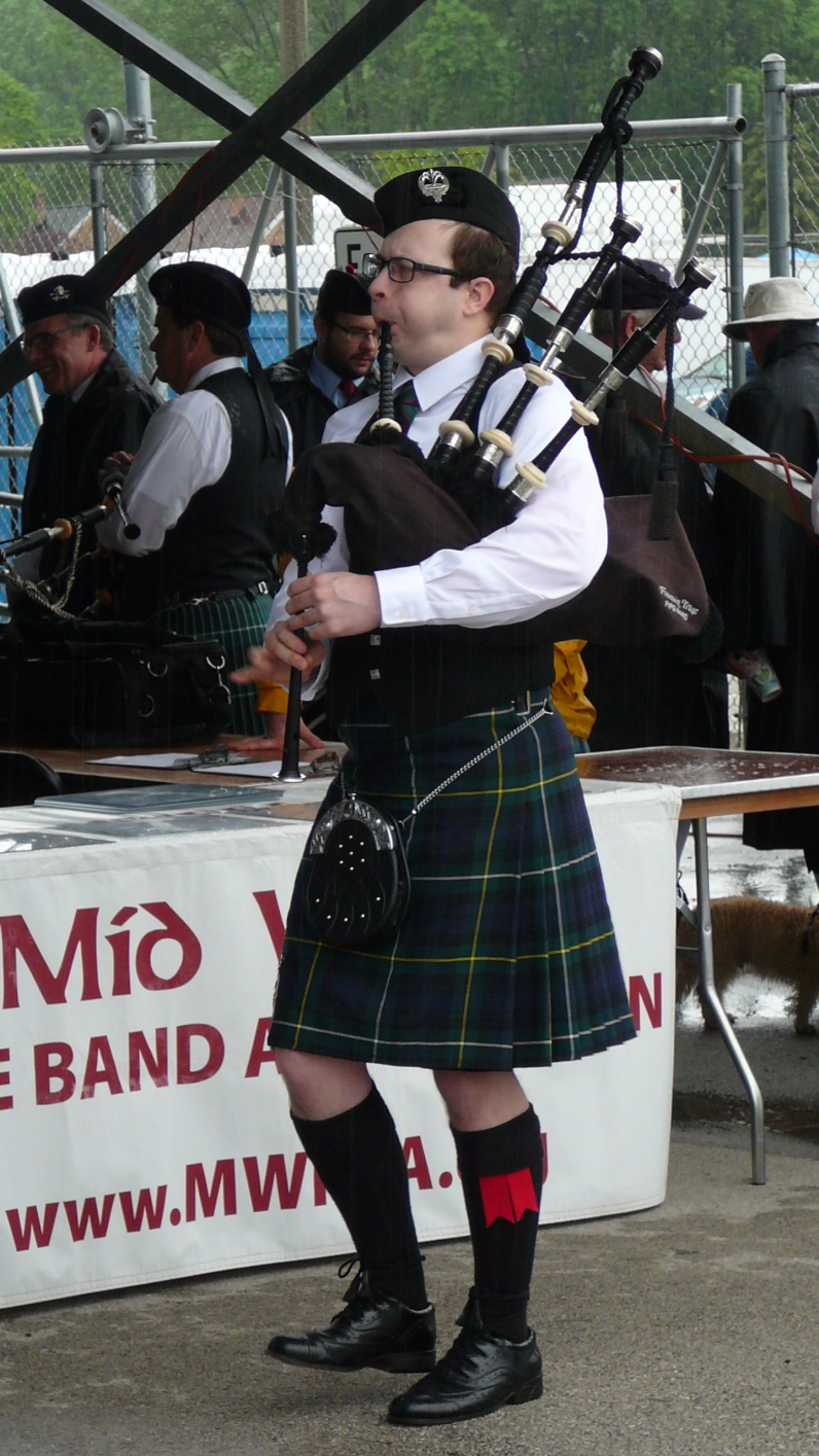 Angus competing in the solo Grade 1 Hornpipe/Jig event at the Milwaukee Highland Games on June 2, 2017.